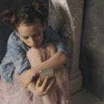 Momo game, selfie killer, gruppi pro-ana: come aiutare i nostri ragazzi?